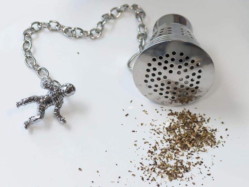 Space Capsule Tea Infuser
