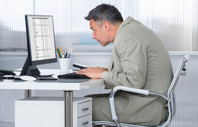 working posture that causes back pain