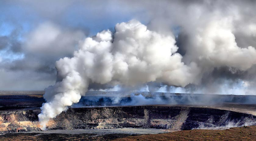 Sulfur dioxide emissions via Halemaumau crater